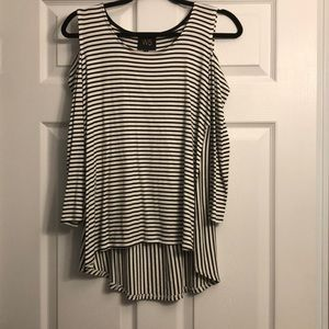 W5 Cold shoulder top